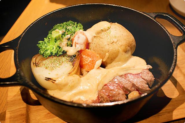 「北海道のまるごと野菜と牛サーロインのグリル」