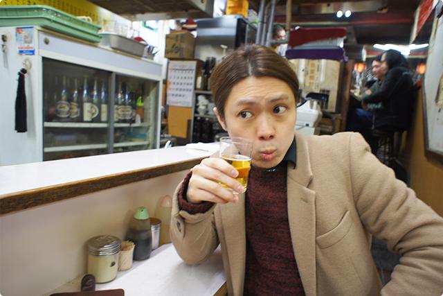 もちろん2軒目も瓶ビール。あれ、どこかで見た動物に似てますね・・・
