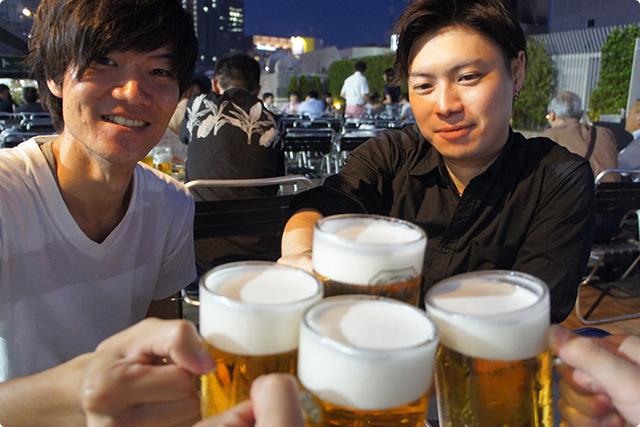 まずはキンキンに冷えた生ビールで乾杯!