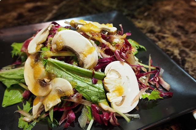 『Shangri-La's Green salad』