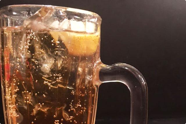 紹興酒をソーダで割った『台北ハイボール』