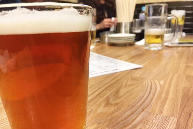 早速クラフトビールで乾杯であります♪
