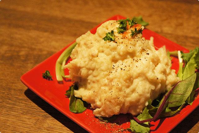 最初にきたのは『アンチョビポテトサラダ』¥390