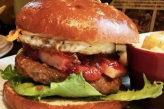 【EAST VILLAGE】High-quality Hamburger in Ikebukuro! (Tokyo!!)
